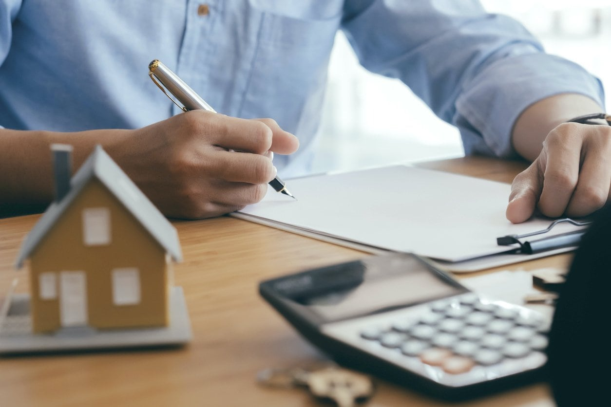 How to refinance your mortgage and lock in the lowest rate